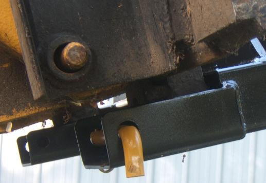 Close Up of Jib Fork Retainers